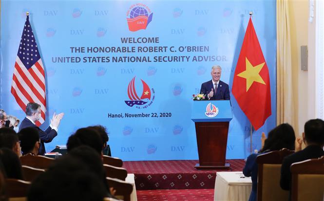 美国国家安全顾问罗伯特•奥布莱恩(Robert O'Brien)同外交学院师生和研究生进行交流。图自越通社