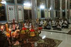 Lễ đặt cơm nếp vắt mùa Đôlta của đồng bào Khmer