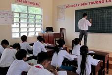 Dạy tiếng Khmer cho học sinh đồng bào dân tộc