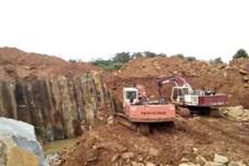 Ngang nhiên khai thác đá trái phép ở thị xã Gia Nghĩa (Đắk Nông)