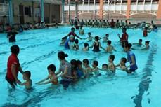 Tiền Giang dạy bơi để phòng chống đuối nước cho trẻ khuyết tật