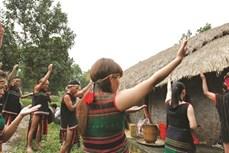 墨侬族人村大门祭祀仪式