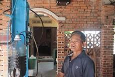 Lão nông Lưu Quang Trương sáng chế máy dầu phộng từ vật liệu cũ