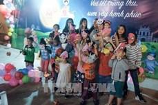 莫越电信公司为在莫越南人举行活动 庆祝中秋佳节