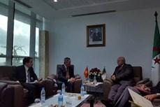 越南与阿尔及利亚努力为企业解决困难