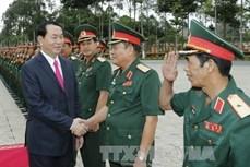 陈大光主席:越南英雄民族的英雄人民军部队