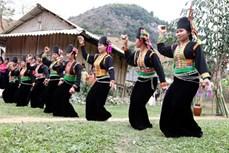 Độc đáo điệu múa Vêr guông của dân tộc Khơ Mú