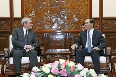 Chủ tịch nước Trần Đại Quang tiếP Chủ tịch kiêm Tổng Giám đốc điều hành Hãng Thông tấn Pháp (AFP)