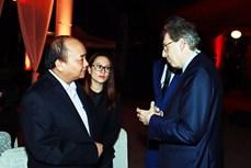 Thủ tướng Nguyễn Xuân Phúc gặp mặt các tỷ phú, doanh nhân quốc tế