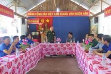 Tuổi trẻ TTXVN về nguồn, thăm - tặng quà các đơn vị kết nghĩa nhân Ngày Biên phòng toàn dân