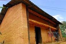 Nhà ở cổ truyền của đồng bào Mông