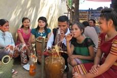 Quà mừng cưới của người Ba Na