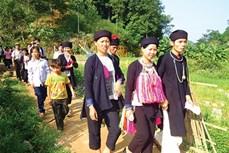 Độc đáo trang phục cưới của người Dao họ