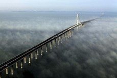 Những cây cầu đẹp ảo diệu ngỡ chỉ có trong cổ tích