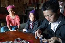 Bảo tồn nghề chạm bạc truyền thống của người Dao Khâu ở Tả Phìn