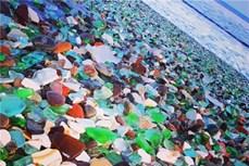 Bãi biển thủy tinh nổi tiếng thế giới trước nguy cơ biến mất vĩnh viễn