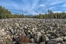 Dòng sông chỉ toàn đá dài 6 km