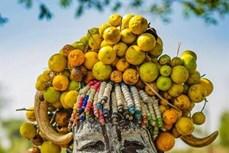 Cách làm đẹp khác lạ của bộ tộc Hamar và Mursi