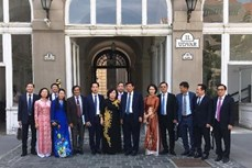 越南河内与匈牙利布达佩斯加强合作