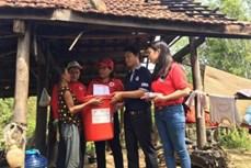 Hỗ trợ nước uống cho người dân miền Trung bị ảnh hưởng do bão số 10