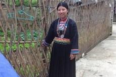 Nét đẹp trong trang phục truyền thống phụ nữ Mông Đen ở Cao Bằng