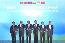 阮春福赴柬出席湄澜合作领导人会议前夕:越南积极参与湄澜合作