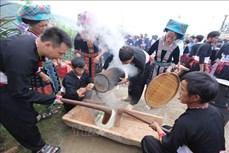 Đặc sắc lễ hội thi giã bánh giầy của đồng bào dân tộc Mông