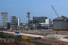 宜山炼油厂预计上缴国家财政8万亿越盾