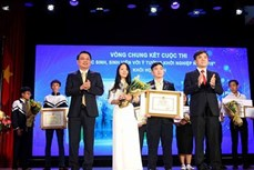 """""""学生、大学生与创业构想—SWIS 2018""""大赛颁奖仪式在河内举行"""