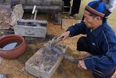 """Giới thiệu nghề """"giữ lửa"""" của đồng bào Mông đến từ Điện Biên"""