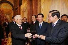 越共中央总书记阮富仲向党、国家领导、全国同胞和战士拜年