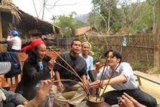 Luật uống rượu cần của người Thái Nghệ An