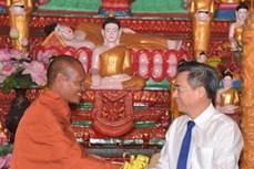 Thăm, chúc mừng đồng bào Khmer nhân Tết cổ truyền Chol Chnam Thmay