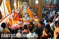 Các nghi thức chính trong Tết cổ truyền Chôl Chnăm Thmây của đồng bào Khmer Nam Bộ