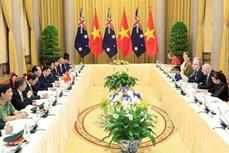 越南国家主席陈大光与澳大利亚总督彼得·科斯格罗夫举行会谈