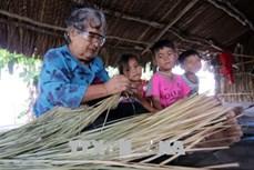 Kiên Giang: Nghề đan lát truyền thống của dân tộc Khmer