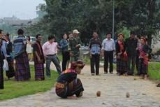Trò chơi xà hùa của người Bru - Vân Kiều