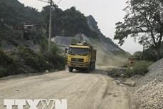 Yên Bái: Khai thác, vận chuyển đá làm hư hỏng tuyến đường liên xã