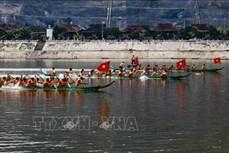 Hội đua thuyền đuôi én lần thứ 5 mở đầu Ngày hội Văn hóa - Thể thao các dân tộc thị xã Mường Lay