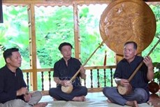 Nghệ nhân Hoàng Văn Thành miệt mài bảo tồn văn hóa dân tộc Tày bên vùng hồ Thác Bà