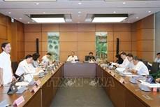 Bên lề Kỳ họp thứ 8, Quốc hội khóa XIV: Tăng lương là đầu tư cho phát triển