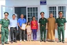 Đoàn Kinh tế - Quốc phòng 778 (Quân khu 7) bàn giao nhà ở kiên cố cho đồng bào dân tộc thiểu số nghèo vùng biên
