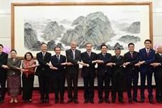 中国外长王毅会见东盟十国驻华使节