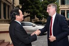 越南劳动荣军与社会部部长会见欧洲议会国际贸易委员会主席