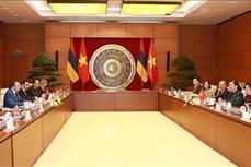国会副主席丛氏放与亚美尼亚国民议会副议长举行会谈