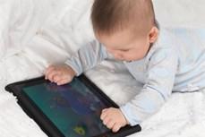 Cảnh báo về ảnh hưởng của các thiết bị thông minh đối với sự phát triển của trẻ nhỏ