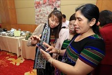 Hỗ trợ phụ nữ dân tộc thiểu số phát triển kinh tế thông qua áp dụng công nghệ