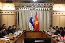 胡志明市与芬兰促进多领域合作