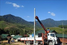 Gần 1.200 hộ dân vùng khó khăn ở Kon Tum được cấp điện lưới quốc gia