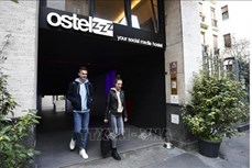 """Độc đáo mô hình khách sạn """"con nhộng"""" ở Milan, Italy"""